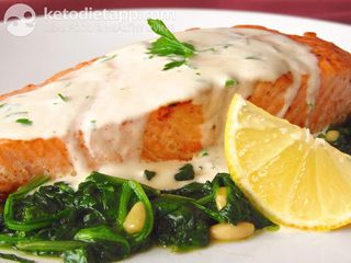 Salmon & spinach with lemon cream
