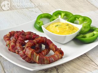 Bacon & pepper rings