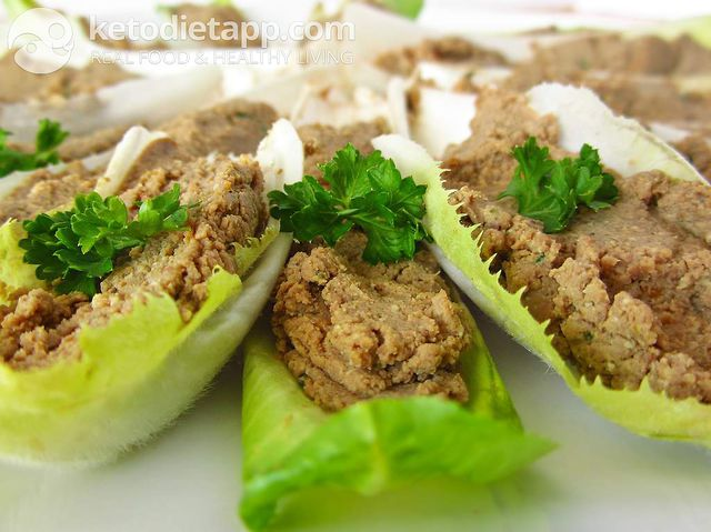 Endives with liver pâté