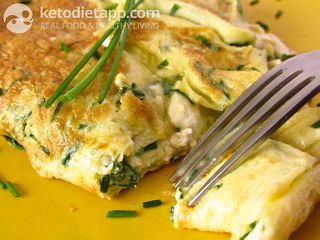 Cheese & chives omelet