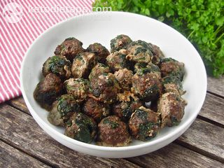 Make-ahead spinach meatballs