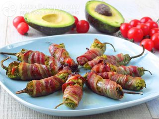Bacon-wrapped jalapenos with guacamole